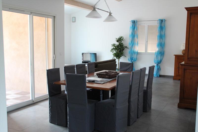 Dining room Location Villa 82417 Hyères