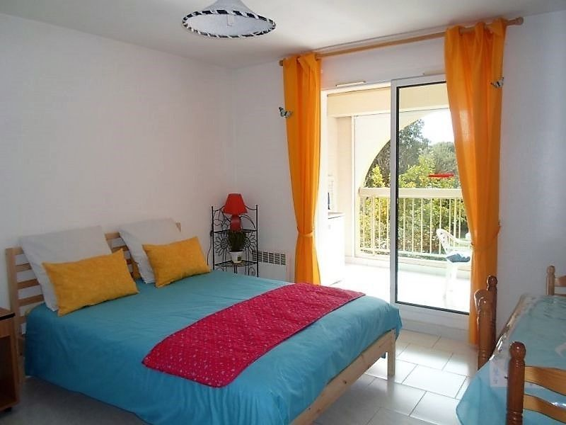 Location One-room apartment 83996 Six Fours Les Plages