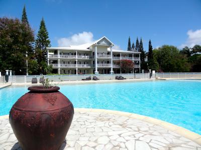 Swimming pool Location One-room apartment 94193 Saint Francois