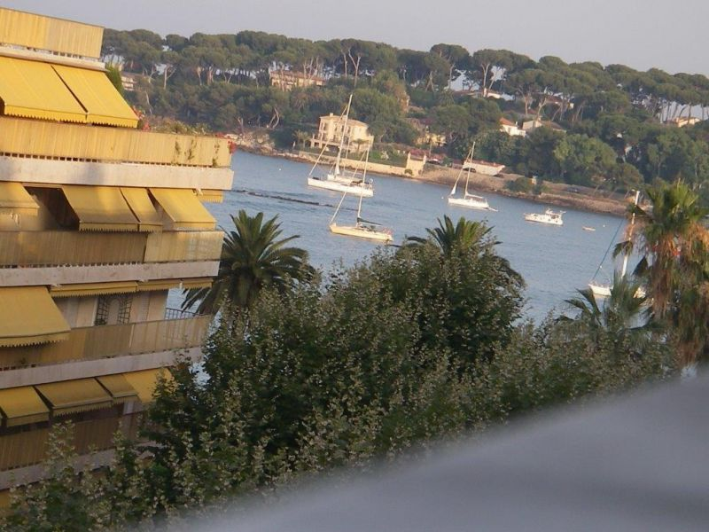 View of the property from outside Location One-room apartment 98215 Antibes