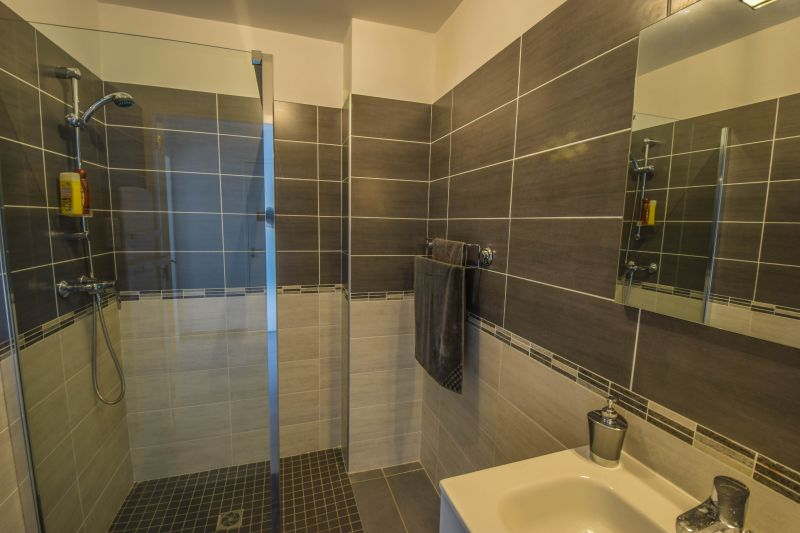 Half bath Location Apartment 99887 Ajaccio