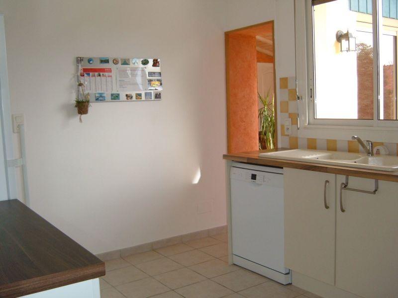 Separate kitchen Location Villa 108315 Bayonne