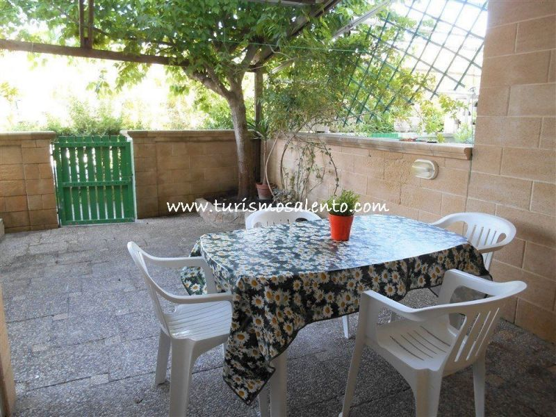 View of the property from outside Location One-room apartment 111072 Gallipoli