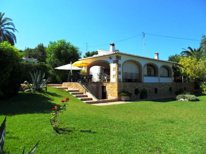 View of the property from outside Location Villa 112816 Jávea