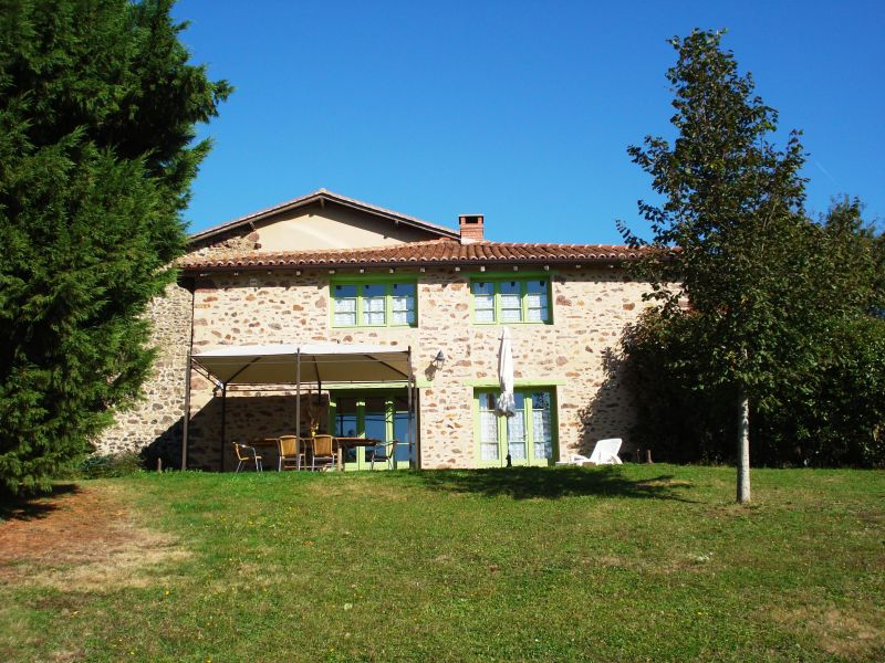 View of the property from outside Location Vacation rental 117039 Rochechouart