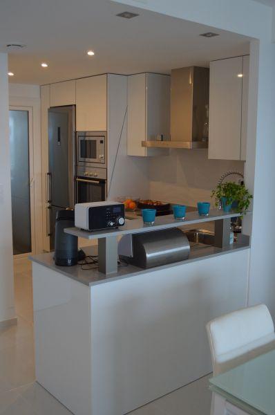 Open-plan kitchen Location Apartment 118656 Torrevieja