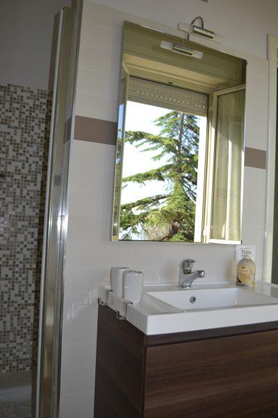 bathroom Location Villa 64759 Avola