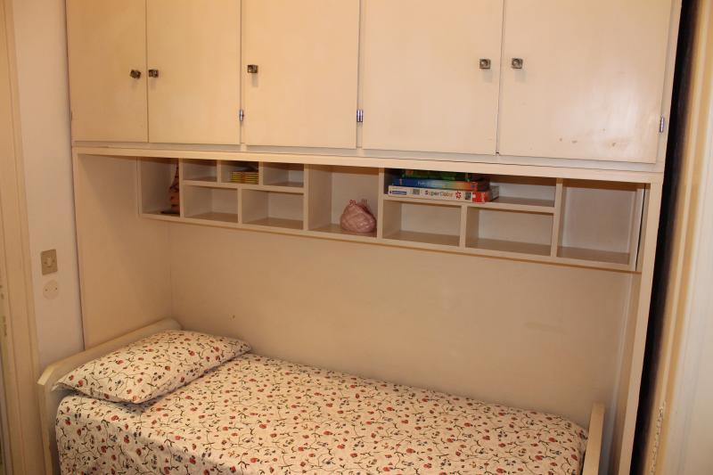 bedroom 2 Location Apartment 66395 Rome