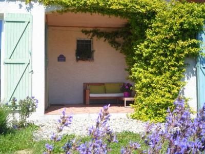 Hall Location Vacation rental 73420 Carcassonne