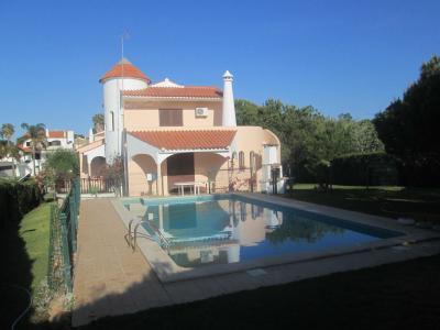 Location Villa 90228 Quarteira