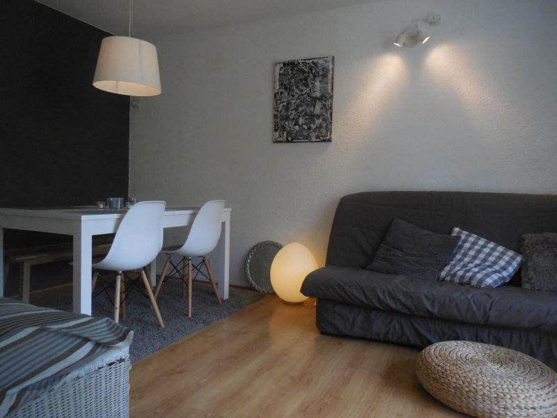 Dining room Location Apartment 106400 Le Corbier