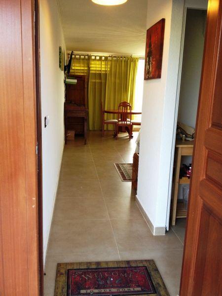 Hall Location One-room apartment 108428 Marigot