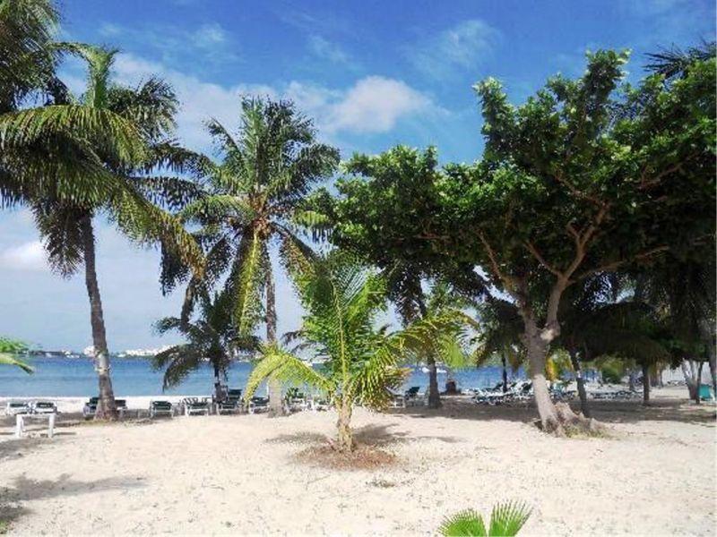 Beach Location One-room apartment 108428 Marigot