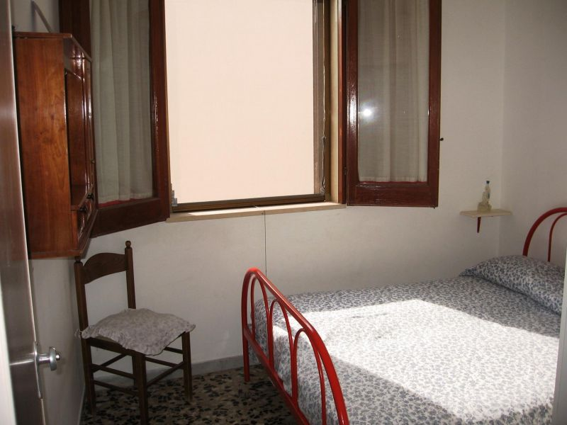bedroom Location Apartment 109503 Torre Canne