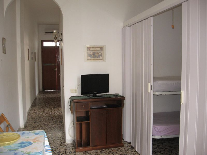 Dining room Location Apartment 109503 Torre Canne