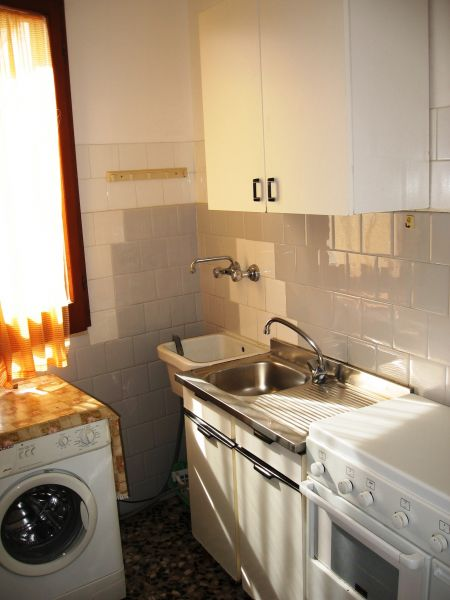 Separate kitchen Location Apartment 109503 Torre Canne