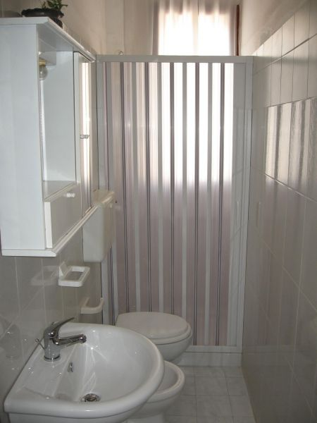 bathroom Location Apartment 109503 Torre Canne