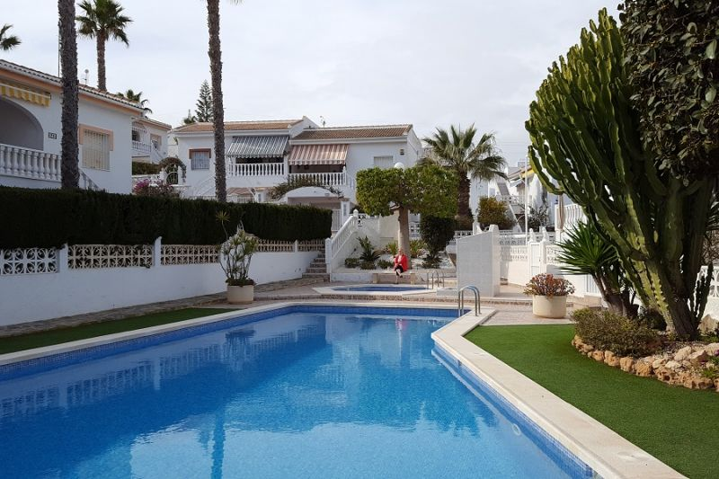 Swimming pool Location Apartment 109820 Torrevieja