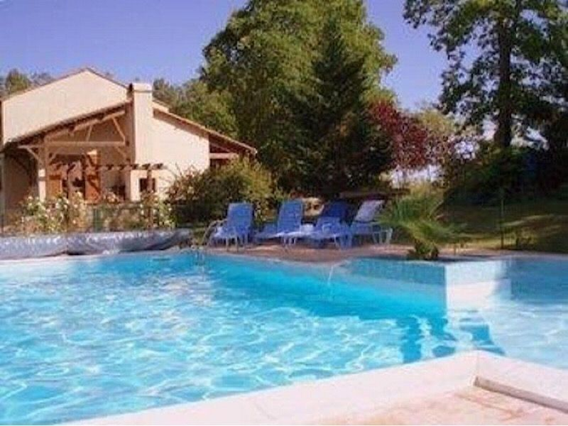 Swimming pool Location Bed and breakfast 116605 Les Eyzies de Tayac