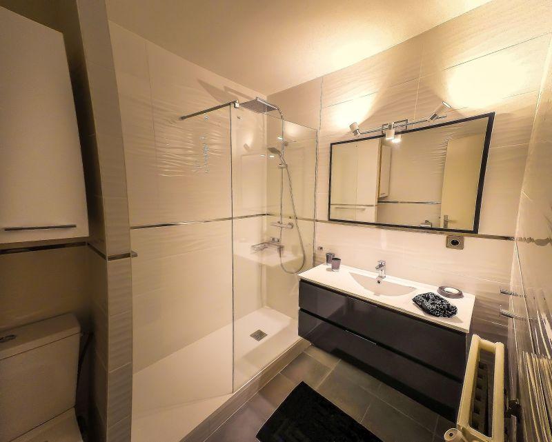 bathroom Location Apartment 117921 Arcachon