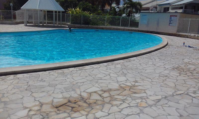 Swimming pool Location One-room apartment 67507 Saint Francois