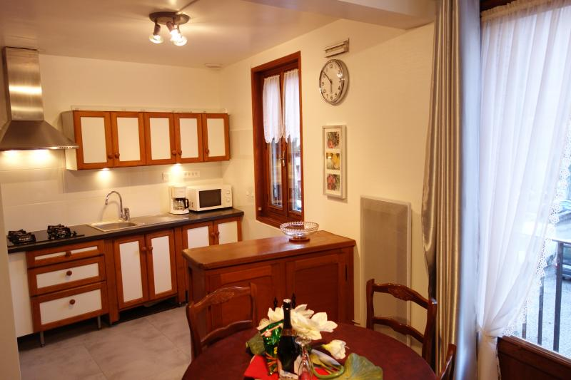 Dining room Location Apartment 68250 Ax Les Thermes