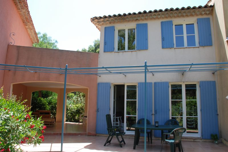 View of the property from outside Location House 70377 Saint Tropez