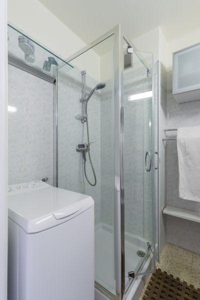 bathroom Location Apartment 77050 Menton