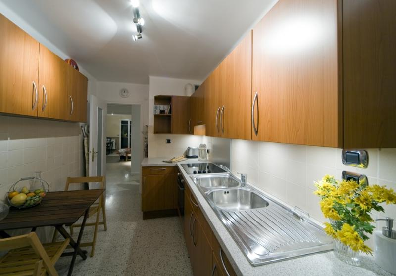 Separate kitchen Location Apartment 77050 Menton