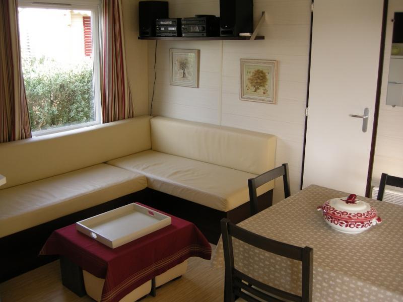 Living room Location Mobile home 77840 Hyères