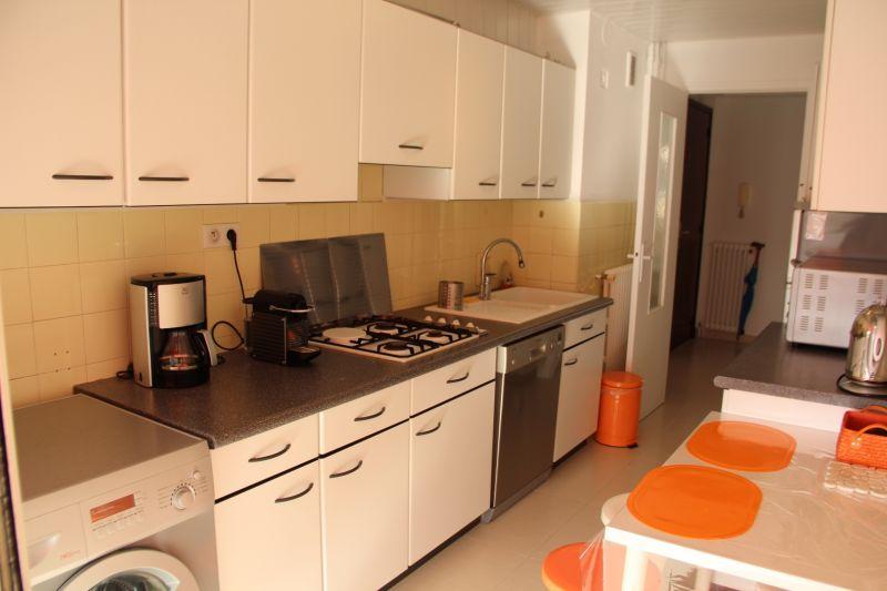 Separate kitchen Location Apartment 78148 Juan les Pins