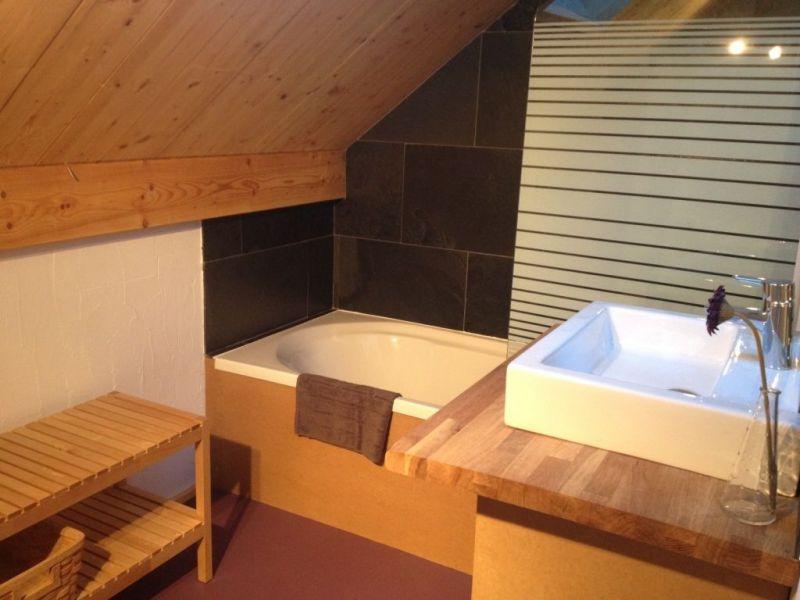 bathroom 1 Location Chalet 88148 Luz Saint Sauveur