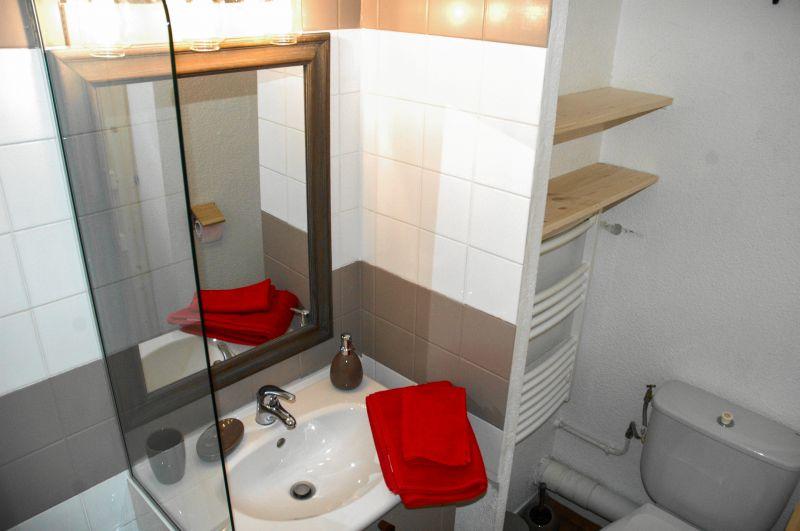 bathroom 1 Location Apartment 108308 Montchavin les Coches