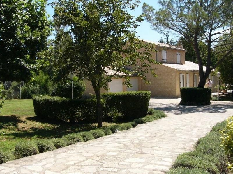 View of the property from outside Location Villa 112385 Saint Maximin la Sainte Baume