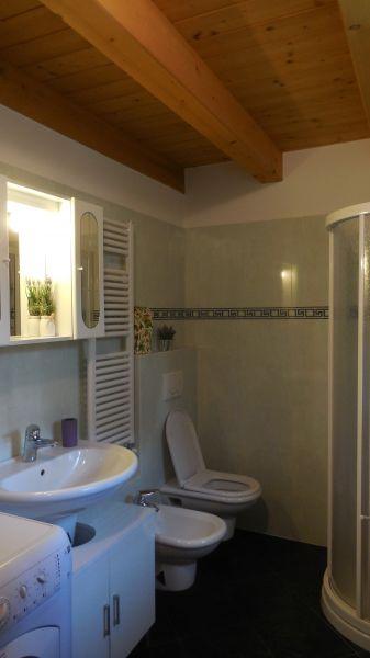 bathroom Location Apartment 67809 Bardolino