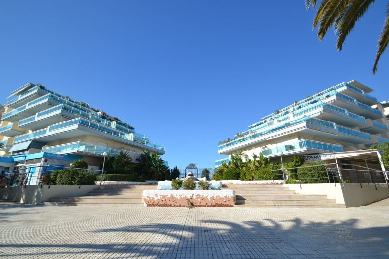 Hall Location Apartment 70004 La Pineda