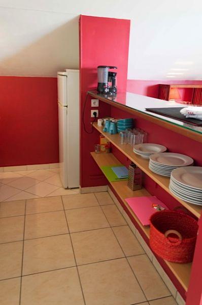 Open-plan kitchen Location Apartment 85760 Saint Leu