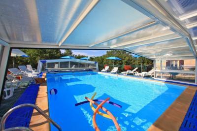 Swimming pool Location Vacation rental 90820 Sarlat